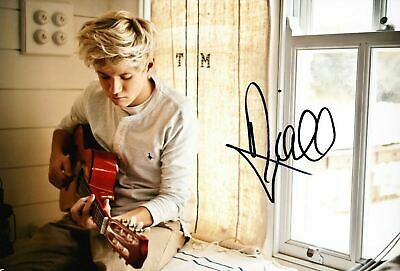 £69.95 • Buy Niall Horan ONE DIRECTION *Signed* 12X8 Photo AFTAL COA (E)