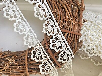 Pretty Ivory Cream 1.25 /3cm Flower Edge Satin Guipure Lace Trim.Sewing/Crafts • 2.45£
