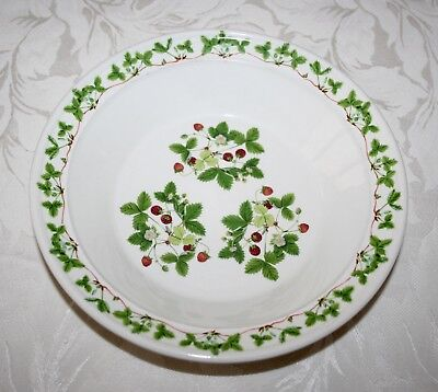 """£17.99 • Buy Beautiful Portmeirion """"summer Strawberries"""" By Angharad Menna 8 1/2"""" Bowl (1)"""