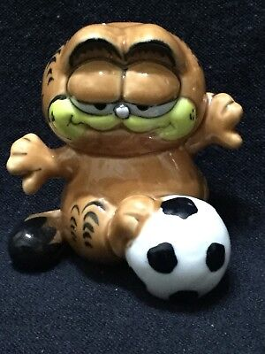 Vintage Collectible Garfield With Football Ceramic Figure • 9£