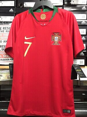 4a74818b39b Nike Portugal Home Jersey2018-19   7 Ronaldo Size Medium Only • 100.00
