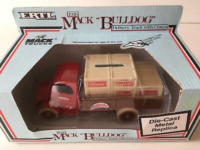 $12.50 • Buy Ertl 1926 Mack Bulldog Delivery Truck With Crates True Value Bank With Key NEW