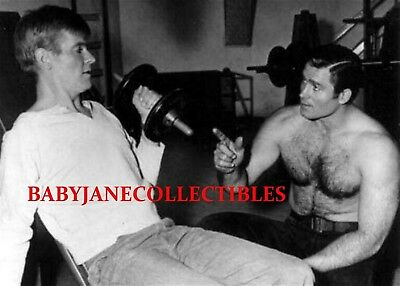 $12.99 • Buy CLINT WALKER SHIRTLESS BEEFCAKE WEIGHT Photo CHEYENNE With SUGARFOOT (103)
