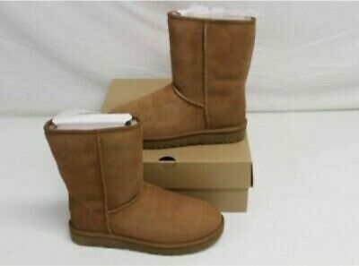 c6807c437f6 ugg boots size 9