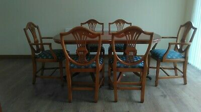 Bradley Yew Dining Table And 8 Chairs. • 595£