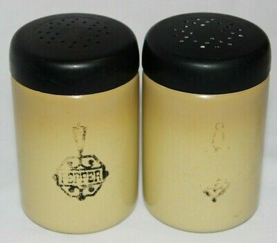 Vtg West Bend Harvest Gold Aluminum Stove Top Salt Pepper Shakers Made In USA • 9.99$