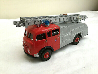 DINKY Code 3 Fire Engine  - Red / Grey - LONDON FIRE BRIGADE  • 29.99£