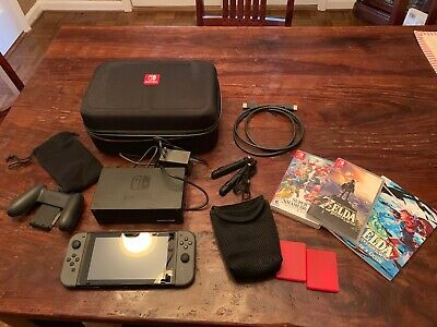 Nintendo Switch Bundle With Games, Case, Slightly And Very Gently Used. • 232$