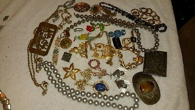 $ CDN13.69 • Buy Lot Of Vintage Jewelry, 3 Belt Buckles, Some Signed