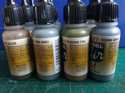 JOB LOT 12 VALLEJO AIRBRUSH ACRYLIC PAINTS 17ml. ASSORTED COLOURS. • 14.99£