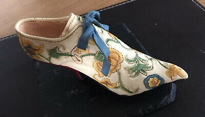 Just The Right Shoe, Collectable Ceramic, Raine Brocade Court • 0.99£