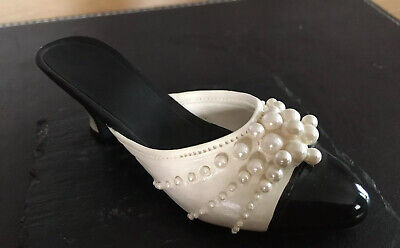 Just The Right Shoe, Collectable Ceramic, Raine Pearl Mule. • 0.99£