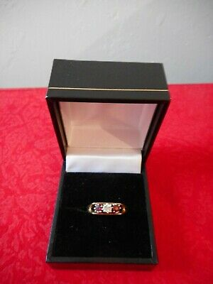 9ct Gold 3 Stone Including Diamond Ring Size M - 2.7g • 50£