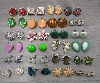 $ CDN13.24 • Buy Vintage Costume Jewelry Lot Of 24 Clip On Earrings Cluster Smooth Sparkle AS IS