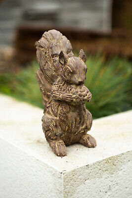 Rustic Red Squirrel Garden Ornament Wood Effect Animal Statue Resin Outdoor  • 6.99£