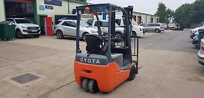 Toyota Fork Lift Truck. Drives And Looks New! • 8,000£