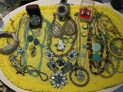 $ CDN18.62 • Buy A8  Antique And  Vintage Jewelry Lot      20++  Items Wearable