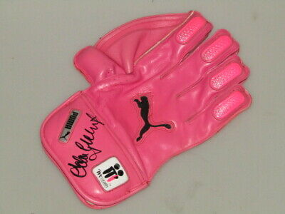 AU389 • Buy ADAM GILCHRIST Hand Signed  Pink McGrath Foundation PINK Glove + EXACT PHOTO PRO
