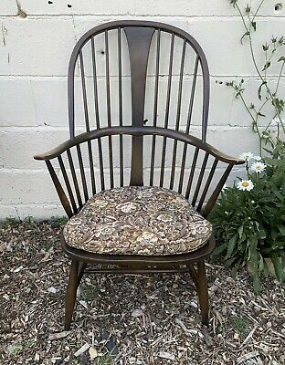Vintage Ercol Windsor Chairmakers Fireside Armchair • 250£