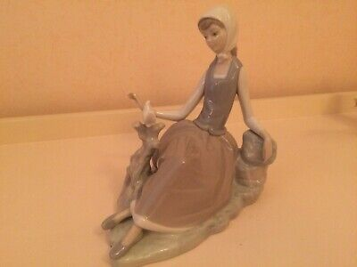 Lladro Girl Figurine Seated With White Dove. Immaculate Condition. Grey/White. • 20£