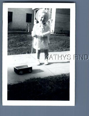 $ CDN8.72 • Buy Found B&w Photo G+2842 Little Girl Posed With Small Pull Wagon
