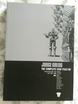 JUDGE DREDD : The Complete Case Files 09 : Graphic Novel 2000AD • 8.99£