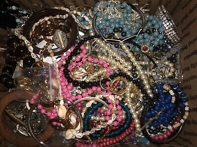 $ CDN33.96 • Buy 11+Pounds Vintage To Mod Lots Of Wearable And Broken For Crafts Med Flat Rate #2