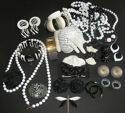 $ CDN68 • Buy Vintage Costume Jewelry Joan Rivers Sarah Coventry Black & White 24PC Mixed Lot