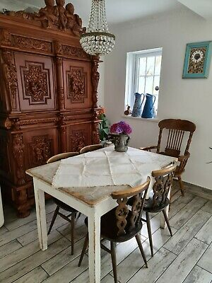 Lovely Vintage French Tablecloth With Lace Details • 15£