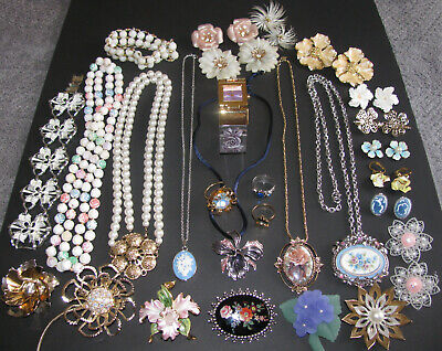 $ CDN199.99 • Buy Vintage Costume Jewelry Sarah Coventry Joan Rivers Signed 30PC Mixed Lot EUC