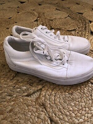 AU30 • Buy Womens Old Skool Vans