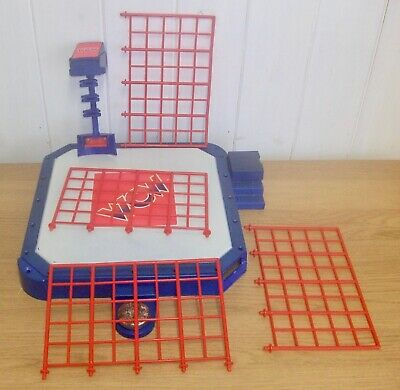Set Of WCW Galoob Wrestling Ring Accessories Inc. Cage & Base • 39.99£