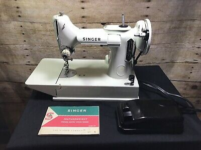 $750 • Buy Vintage 1964 221 Singer Featherweight Sewing Machine With Case