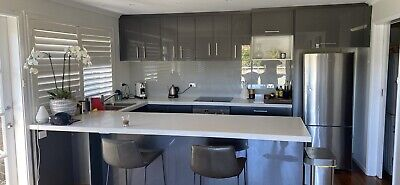 AU2000 • Buy Second Hand Kitchen In A Great Condition With Appliances