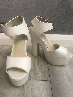 White Ankle Strap Block High Heel Platform Leather Sandal By Koi Couture Size 4 • 10£