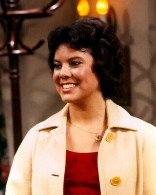 $9.75 • Buy Erin Moran As Joanie Cunningham Smiling 8x10 Photo TV's Happy Days