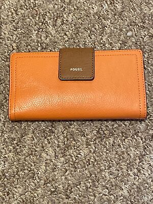 Fossil Leather Purse • 24£