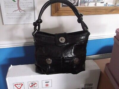 Lovely M&S Autograph Black Real Leather Shoulder Bag. Zip Top • 12£