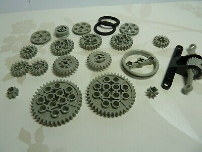 Lego Technic Large Set Of Large To Very Small Gears , Pulleys Etc,  • 6.99£