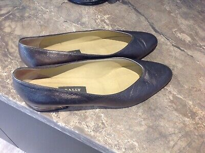 Bally Shoes, Flat Court Shoe In Pewter Colour, Size 8.5 • 10£
