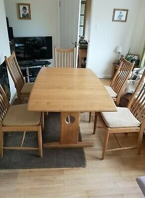Ercol Windsor Medium Extending Dining Table And 6 Chairs. Extends To 200cm • 1,400£