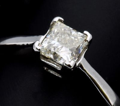 18ct White Gold 0.50ct Diamond Solitaire Ring 3.05g • 544.50£