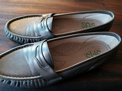 $ CDN27.50 • Buy SAS Women's  9  Wide Pewter Loafer Small Heel Preowned