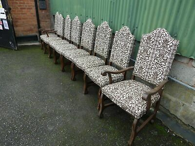 Younger Old Charm Style Set Of 8 Oak Chairs With Carvers • 195£