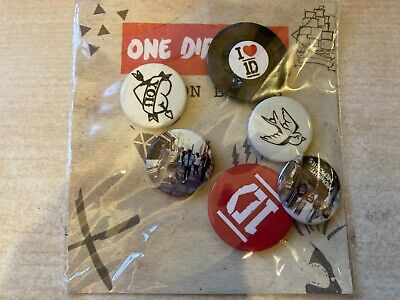 £3.50 • Buy BNWT New Claire's Accessories Official One Direction 1D Pack Of 6 Button Badges