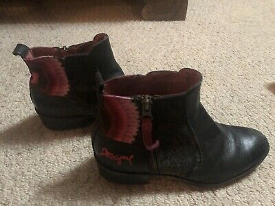 £30 • Buy Black Desigual Boots With Pink Design  Size 36 UK 3