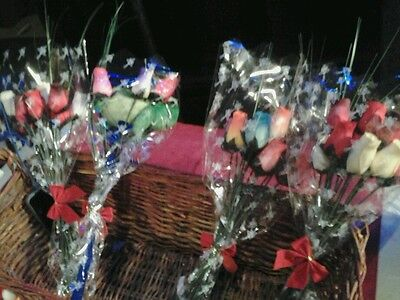 One Dozen Wooden Roses Buds Mixed Color • 4.40£