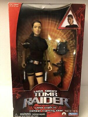 LARA CROFT TOMB RAIDER 2001 Combat Training Gear Action Figure Playmates • 30£