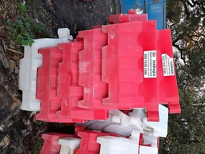 Plastic Road Barriers Various Red And White • 12£