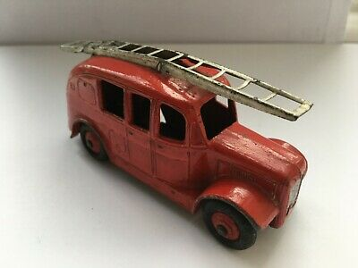 VINTAGE Dinky Toy Red Streamlined Fire Engine No. 250 • 1£